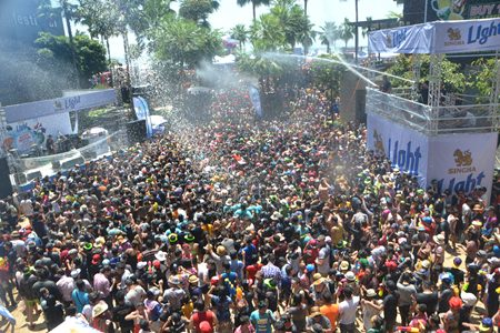 The Sunken area of Central Festival Pattaya Beach was packed as well, splashing water and dancing to the concerts held there.