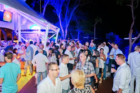 The 300 networkers transformed Fflic into a brilliant party.