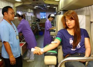 Bangkok Hospital Pattaya's blood donation bus made its way to Sriracha where good-hearted local people donated their time and blood for a good cause.