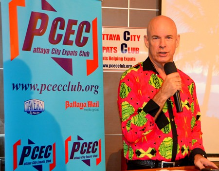 """Bruce Kehlet introduces his """"pet"""" Anna to his PCEC audience and explains the benefits of having snakes as pets."""