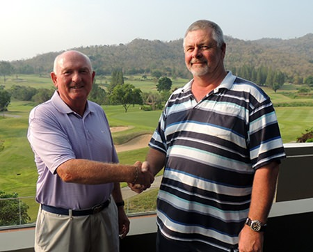 Overall winner Tony Berghagen (right) shakes hands with runner-up Ray Dell.