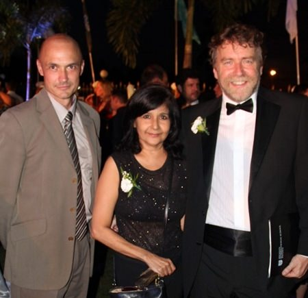 Pattaya Mail's Sue K. (center) flanked by Head of Admissions and Marketing Tim Eaton (left) and Principal Iain Blaikie.