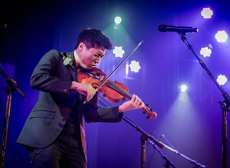 The phenomenal Charles Yang - violinist extraordinaire.