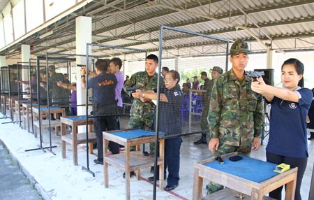 Anti-drug volunteers are given weapons training at the Royal Thai Marines Jessada Camp in Sattahip.