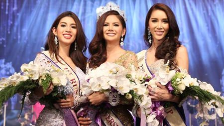 "Sopida ""Baimon"" Siriwattananukul (center) was crowned this year's Miss Tiffany Universe. Kanchaya Kanchanakul (left) finished 1st runner-up, with Pimnara Athiphatdejakorn (right) 2nd runner-up."