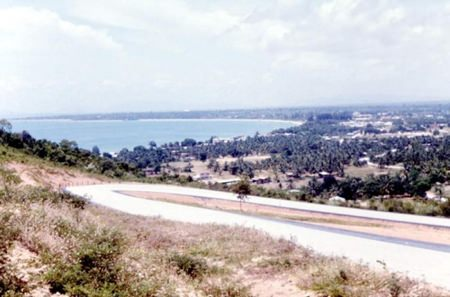 Photo of Pattaya City taken in about 1957 at the curve on Pratamnak Hill which is now the site of the Pratamnak police booth.