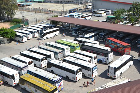 A private enterprise rents parking spaces for buses near city hall, but is not big enough to hold all buses coming and going through Pattaya.