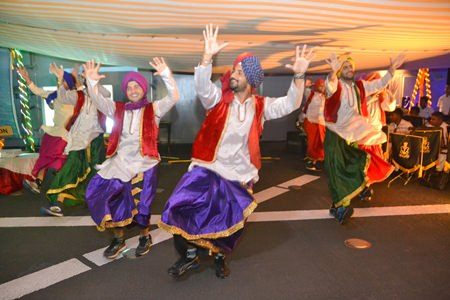 The highlight of the evening was when Sikh naval officers performed the Bhangra dance much to the enjoyment of guests from many countries.