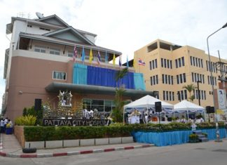Pattaya City Hospital on Soi Buakaow, next to the Public Health Department, celebrated being upgraded to a secondary-care center.