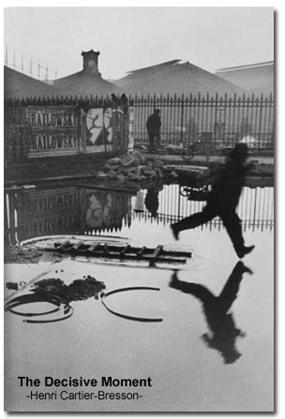 Photo by Henri Cartier Bresson.