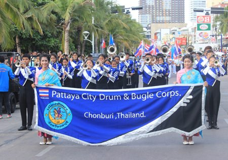 The Pattaya Drum and Bugle Corps plays the national anthem.