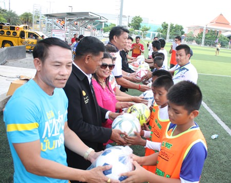 A charity football tournament raised 24,000 baht to purchase sporting gear and equipment for young members of the Pattaya Football Club.