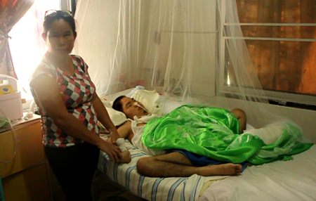 Paovana Cheunjit has been caring for her invalid son for 17 years now, alone.