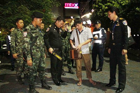 Police and military are stepping up their visual presence on Walking Street to try and secure the area, and increase tourist confidence following the August 17 bombing of the Erawan Shrine in Bangkok.