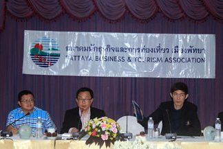 (L to R) PBTA Advisers' Chairman Thanet Supornsahatrangsi, Deputy Mayor Verawat Khakhay, PBTA President Sinchai Wattanasartsathorn, Thai Hotel Association, Eastern Chapter President Sanphet Suphabuansathien, and DASTA Manager Thaweepong Wichaidit call a meeting to find a way to deal with tourism problems.
