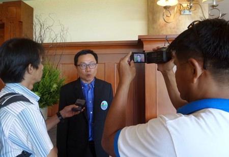 PBTA President Sinchai Wattanasartsathorn addresses the press.