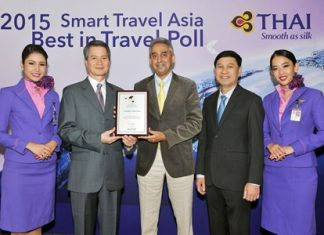 THAI President Charamporn Jotikasthira (second from left), accepts the awards from Vijay K. Verghese (third from left), Editor and Director of Smart Travel Asia. THAI Vice President, Aviation Resources Development Department, Captain Chuchart Jantabutara (fourth from left) was present at the ceremony.