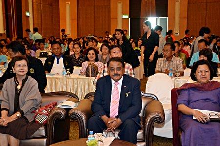 3 members of the Pattaya Education Development Committee, (l-r) Sopin Thappajug, Chair, Pratheep Malhotra, Vice Chair and Alvi Sinthvanik, member.
