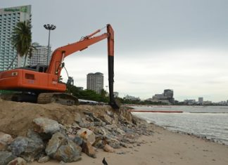 Reconstruction of Pattaya Beach has been postponed indefinitely after the city again was unable to procure sand to refill and expand the shoreline.