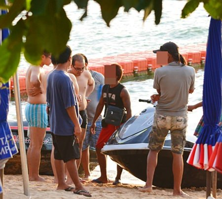 The photo shows another jet ski scam in progress.