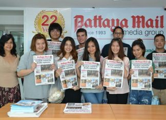 Front row, left to right: Pattaya Mail Director of Communications Sue Kukarja greets Asian University students Irin Charoenkietkrai, Panyanuch Suksamran, Tawanshine Penthisarn, Budsayamas Cheaplam, and Punyanuch Thumatijpiroj; and back row, left to right: Teerapat Petram, Olli Oksala, Natthapol Inderasuwan and Andrew Agnew.