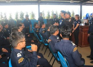Special Affairs Department and Coastal Rescue & Security Project member Rungrath Lohthongkham prepares Pattaya-area rescue and security personnel for safety training.