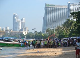 Business is booming with Chinese tourists going to Koh Larn, and the speedboats that take them there.