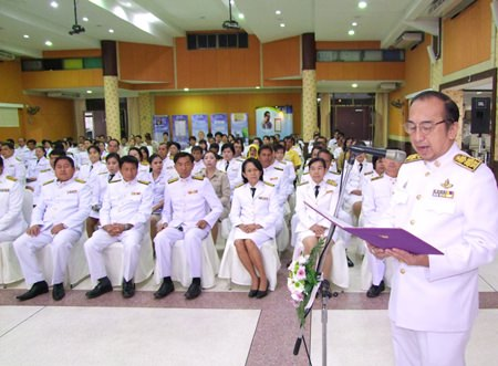 Chonburi officials honor HM the King's pioneering work in rainmaking.