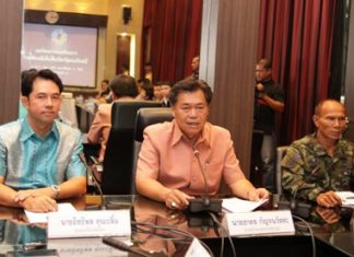 (L to R) Mayor Itthiphol Kunplome, Banglamung District Chief Chakorn Kanchawattana, and Maj. Somkiet Suemklang from Military Base 14 announce extra security measures in Pattaya following last Friday's Paris attacks.