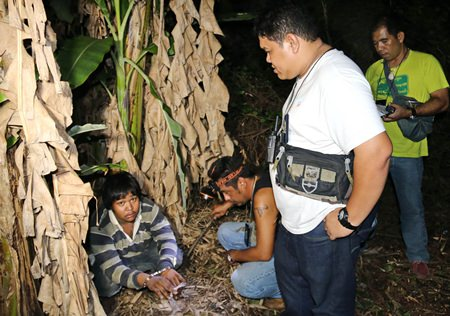 Police caught up with Rattapong Kaewjinda who ran into a banana plantation when he realized he had just sold ya ba to and undercover agent.