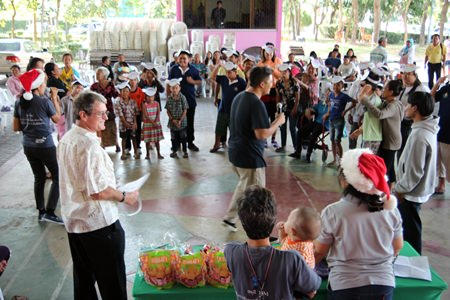 Pattaya Fellowship Church hosted a Christmas party for 40 Nongprue families with special-needs or disabled children.
