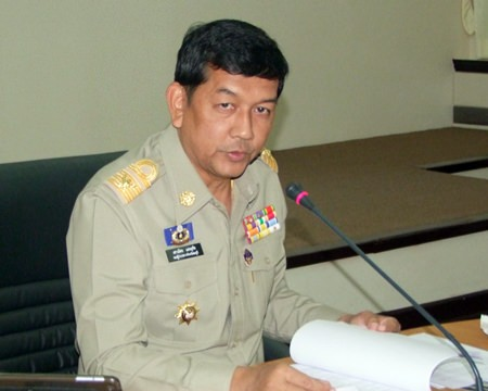 """Deputy Gov. Chawalit Saeng-Uthai chairs a preparation meeting to try and keep residents safe and happy on the nation's roads during the """"seven dangerous days"""" Dec 29 to Jan. 4."""
