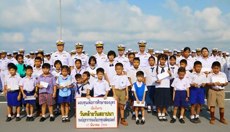 The Helicopter Carrier Fleet celebrated its 24th anniversary by awarding 100,000 baht in scholarships to Royal Thai Navy children.