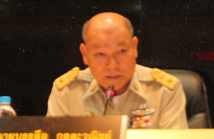 Pattaya City Council President Banlue Kullavanijaya opens the council's May 28 meeting.