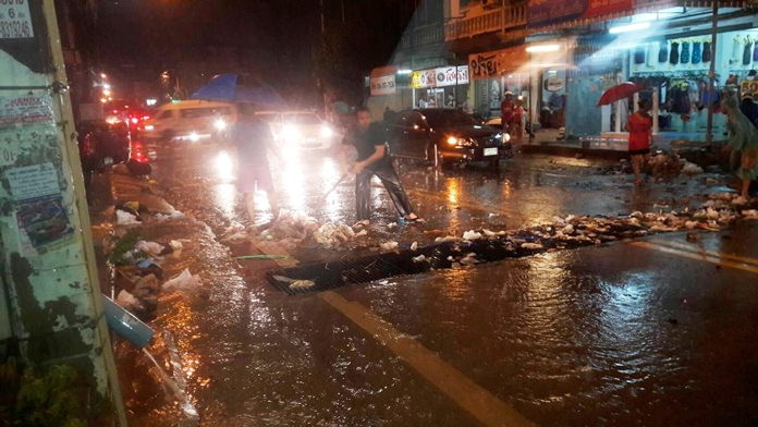 Plastic bags, Styrofoam cups and all sorts of rubbish were seen clogging the drainage outlet near Soi Khao Noy.