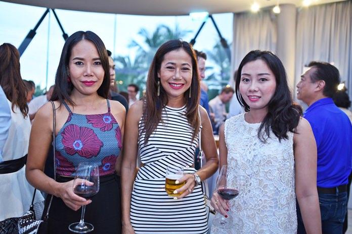 (L to R) Three lovely ladies, Nadia Swan, Chumhakan Kawla and Anamika Prompanya.