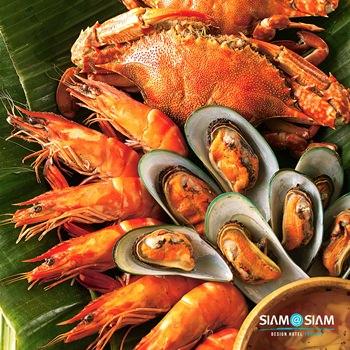 Nightly seafood BBQ buffet at Big Fish restaurant.