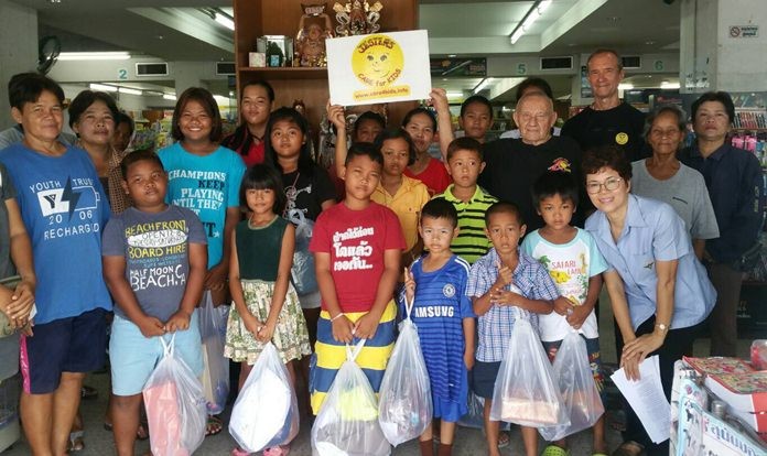 This year we fitted and equipped 55 children thanks to a generous discount from Prasert Books in Ban Chang.