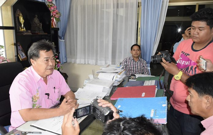 Banglamung District Chakorn Kanchawattana denied claims by two East Pattaya motorbike repairmen that they were beaten and robbed during a fabricated drug bust.