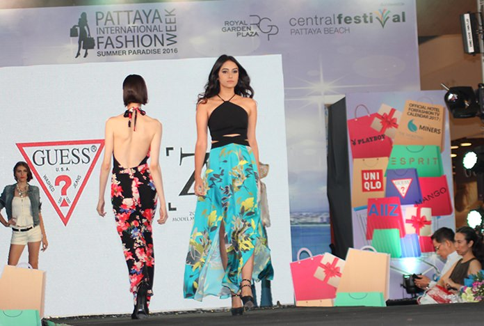 Thai and international models showcased 15 high-end and fashion brands.