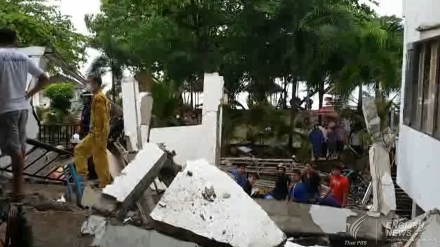 Koh Chang resort building collapses killing one tourist, trapping 7 others