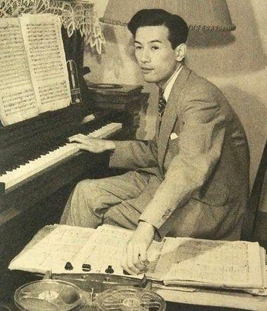 Composer and TV presenter Yasushi Akutagawa in 1952.