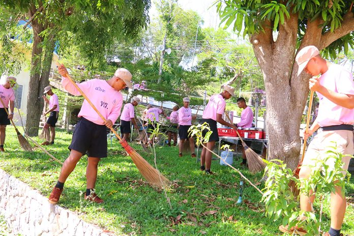 About 1,000 sailors and residents swept through Kledkaew municipality.