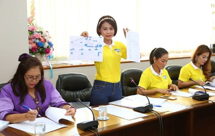 Paichit Jetaphai (2nd left), President of YWCA Bangkok–Pattaya Center outlines her plans for the event during the press meeting held on May 28.