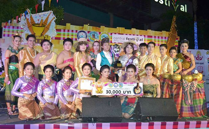 The Long Beach Garden Hotel & Spa won the headline somtam contest at the annual Pattaya Issan Festival, whilst Somtam Hai Tak restaurant earned second-place, followed by and the Hojimin and Tor Nong Jabtao restaurants each finishing in third place.