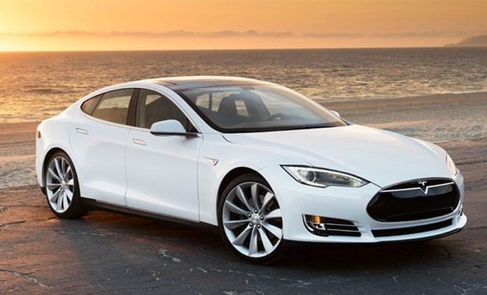 Tesla S.