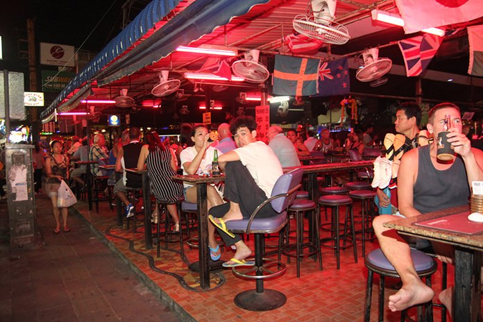 City police have announced Pattaya bars inside the entertainment zone will be allowed to remain open until 4 a.m.