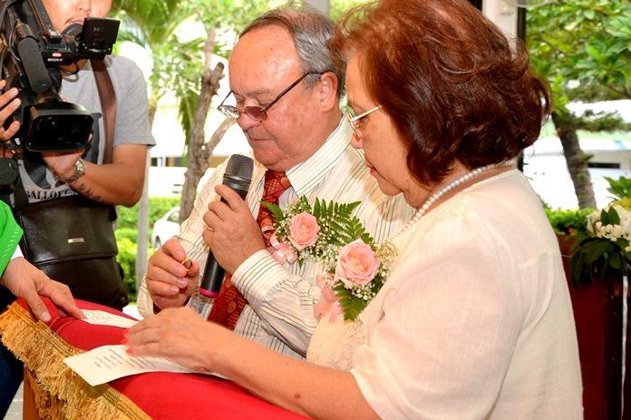 Premprecha and Supanee renew their wedding vows 19 June 2016
