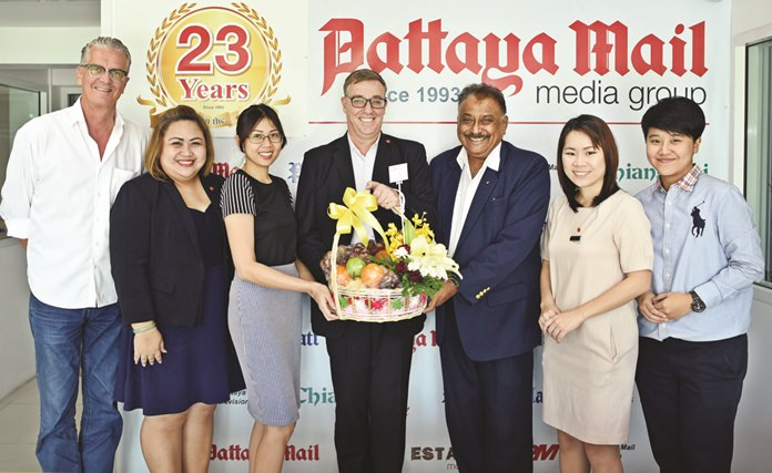 Richard Gamlin (centre) Resident Manager of Amari Pattaya and his team came by to wish us a Happy Birthday.