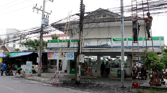 About 100 meters of cable, phone, internet and high-voltage lines along Soi Paniedchang 8 were affected by the blaze.